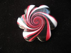 Flower ring, black / red spiral, in Fimo