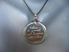 "Pendentif graphique ""Believe in yourself"""