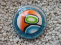 RESERVE Nathalie : Very large ring, multicolored cabochon in Fimo, on pearl white and blue, in resin